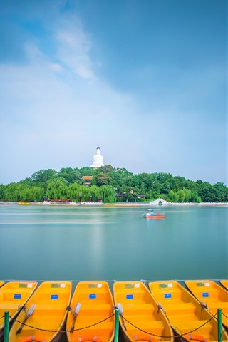 iPhone Wallpaper Beihai Park, Beijing, lake, boats, China