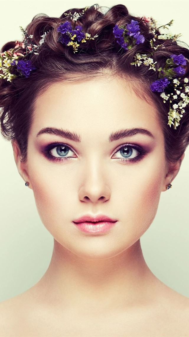 Wallpaper Blue Eyes Girl Fashion Hair Style 1920x1440 Hd Picture Image