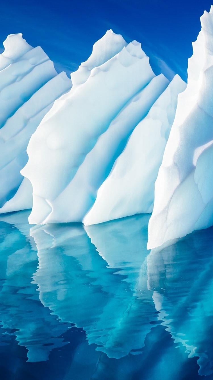 青い海 氷 ぎざぎざ 水の反射 750x1334 Iphone 8 7 6 6s 壁紙 背景 画像