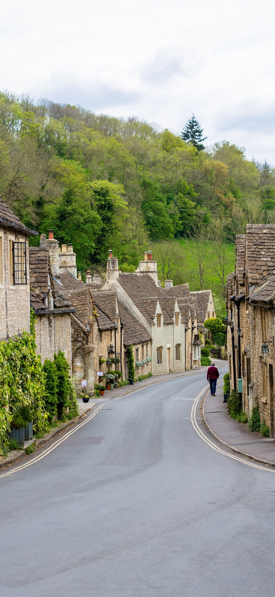 Castle Combe Village England Houses Road 1125x2436 Iphone