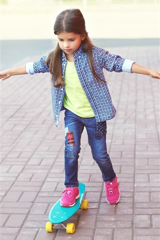 iPhone Wallpaper Cute little girl use skateboard