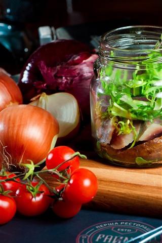 iPhone Wallpaper Food, tomato, bread, meat, onion