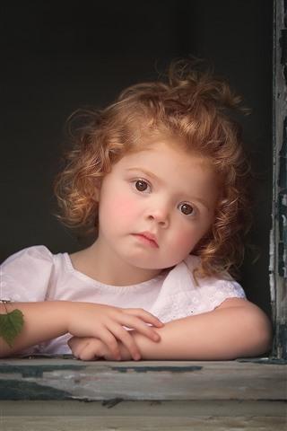 iPhone Wallpaper Lovely little girl, blonde, window