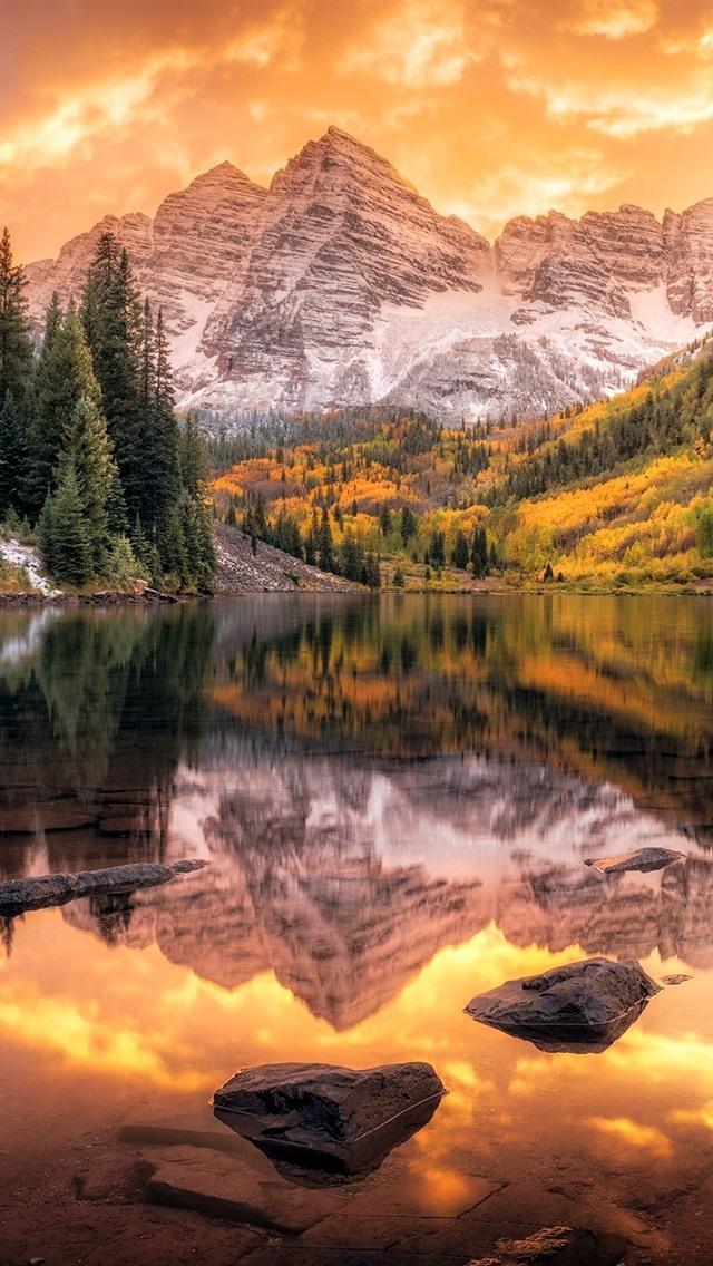 foto de Mountains, trees, lake, stones, water reflection, autumn 640x1136 ...