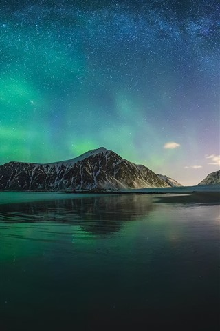 iPhone Wallpaper Northern lights, Iceland, mountain, sea, night