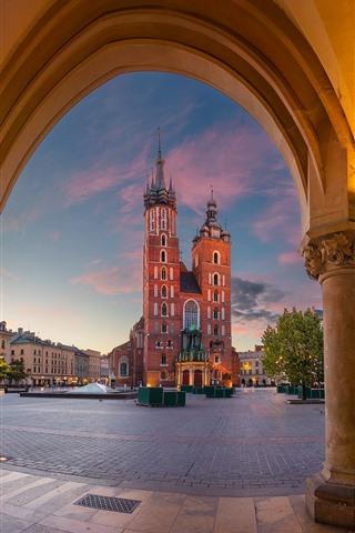iPhone Wallpaper Poland, Krakow, St. Mary's Church, dusk, lights
