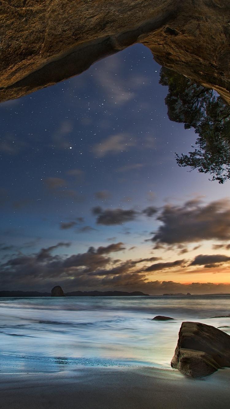 海 洞窟 石 星 夜 750x1334 Iphone 8 7 6 6s 壁紙 背景 画像