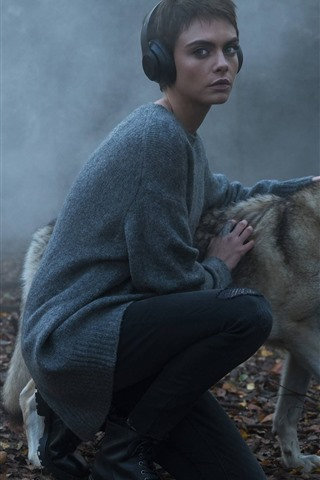 iPhone Wallpaper Short hair girl and wolf, fog, morning