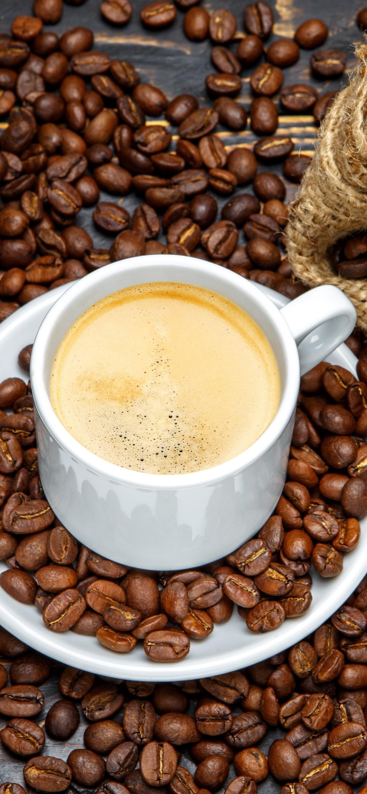 白いカップ コーヒー コーヒー豆 袋 1242x2688 Iphone Xs Max 壁紙