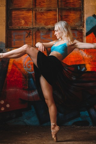 iPhone Wallpaper Ballerina, blonde girl dancing, feet, graffiti wall