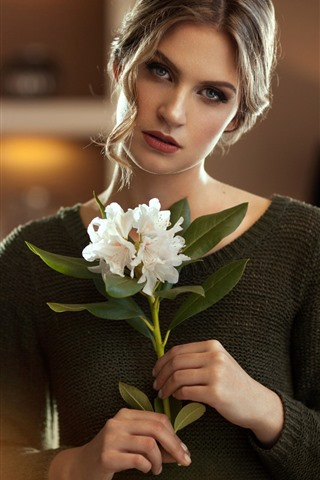 iPhone Wallpaper Blonde girl, white flowers, bouquet, sweater