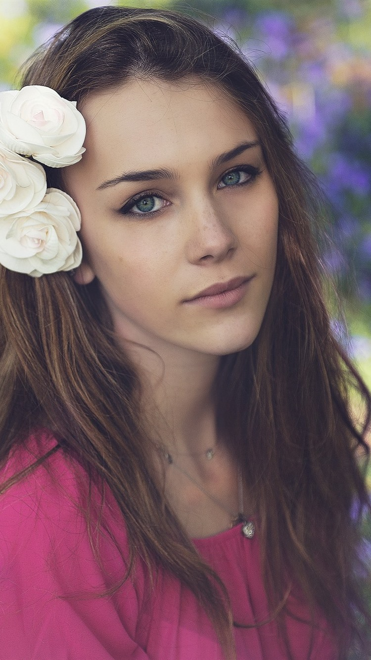 Brown Hair Girl Green Eyes White Flowers 750x1334 Iphone 8 7 6 6s Wallpaper Background Picture Image