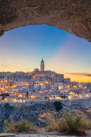 iPhone Wallpaper Italy, Matera, Basilicata, cave, grass, city, lights