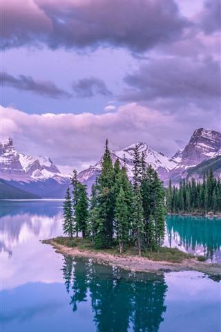 iPhone Papéis de Parede Lago, árvores, montanhas, nuvens, reflexão da água