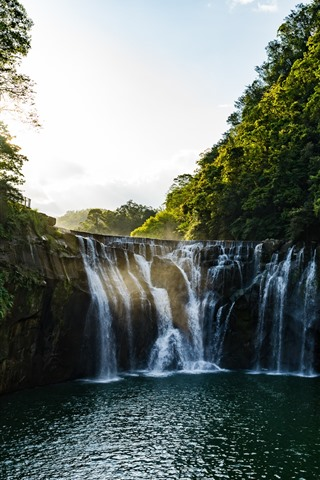 iPhone Wallpaper Shifen waterfall, Taiwan