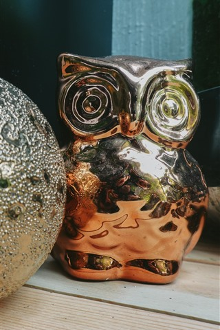 iPhone Wallpaper Toy ball and owl, decoration