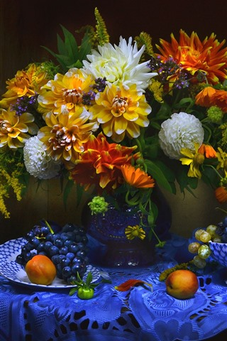 iPhone Wallpaper Apricot, grapes, dahlia, flowers, vase, still life