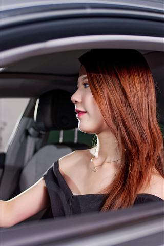 iPhone Wallpaper Asian girl sit in car, window