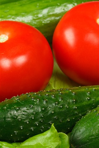 iPhone Wallpaper Green cucumbers and red tomatoes, vegetable