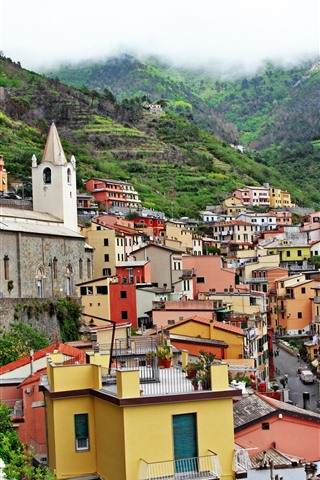 iPhone Wallpaper Italy, Riomaggiore, houses, height, mountains