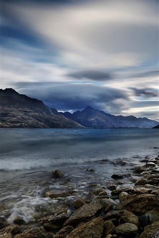 iPhone Wallpaper New Zealand, Lake Wakatipu, rocks, mountains, clouds