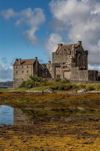 iPhone Wallpaper Scotland, Eilean Donan Castle, lake, water, clouds