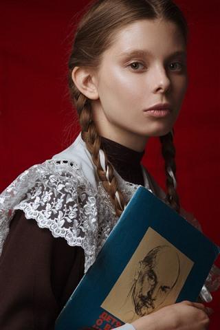 iPhone Wallpaper Young schoolgirl, braids