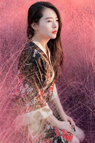 iPhone Fondos de pantalla Hermosa chica china, estilo retro, flores rosas.