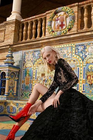 iPhone Wallpaper Black skirt girl, fashion, pose