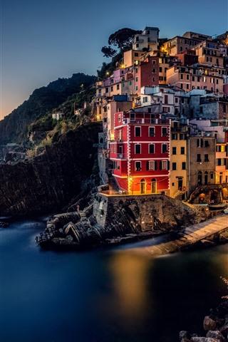 iPhone Wallpaper Italy, Riomaggiore, Cinque Terre, Ligurian sea, houses, coast, sea