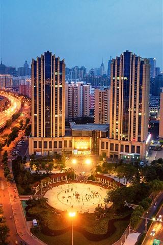 iPhone Fondos de pantalla Jinan, Shandong, ciudad, noche, edificios, luces, carreteras
