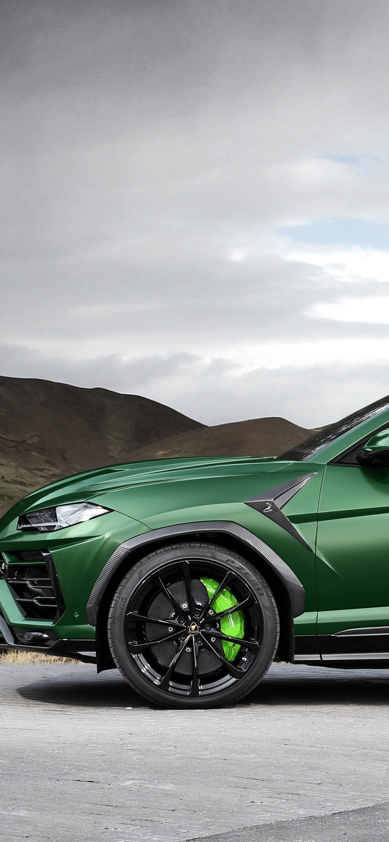 Wallpaper Lamborghini Urus 2018 Green Suv Car Side View 3840x2160