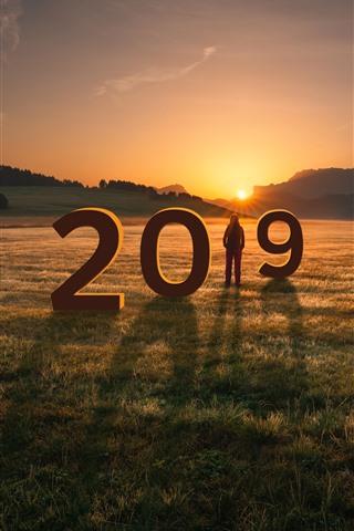 iPhone Fondos de pantalla Año nuevo 2019, pasto, niña, montañas, puesta de sol