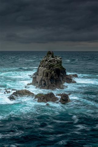 iPhone Fondos de pantalla Rocas, mar, tormenta, nubes