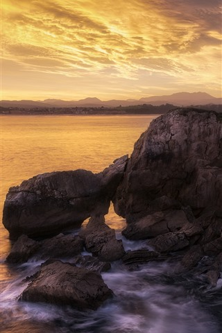iPhone Fondos de pantalla Mar, Costa, rocas, faro, nubes, atardecer