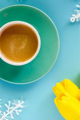 iPhone Fondos de pantalla Tulipanes amarillos, café, taza, copos de nieve, fondo azul
