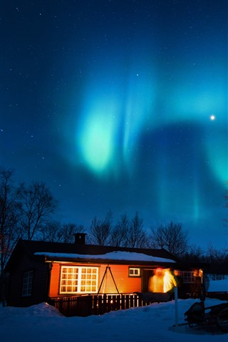 iPhone Fondos de pantalla Aurora Boreal, estrellado, casa, árboles, nieve, noche, luces