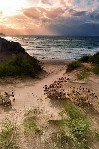 iPhone Papéis de Parede Praia, grama, mar, nuvens, pôr do sol