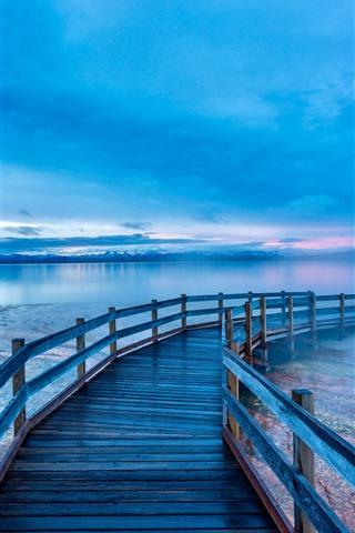 iPhone Fondos de pantalla Hermoso Parque Nacional de Yellowstone, lago, puente, mañana, Estados Unidos