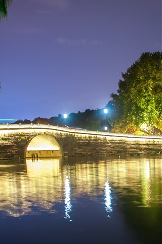 iPhone Fondos de pantalla Hangzhou West Lake, puente, árboles, luces, noche, China
