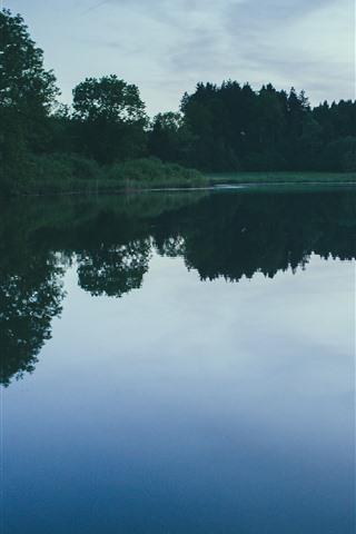 iPhone Wallpaper Lake, trees, water reflection, dusk