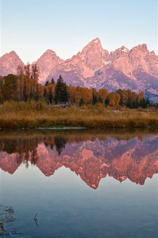 iPhone Wallpaper Mountains, trees, autumn, lake, water reflection