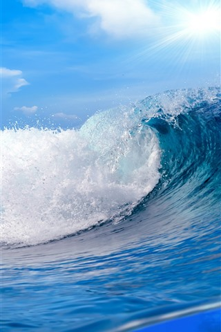 iPhone Wallpaper Sea waves, water rolls, fish, sun rays