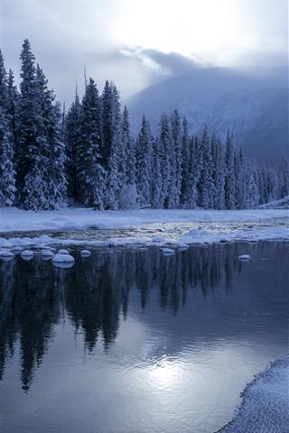 iPhone Wallpaper Travel to Kanas, winter, snow, trees, river, sunshine, mountain, China