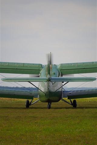 iPhone Wallpaper Antonov An-2 plane, back view, ground
