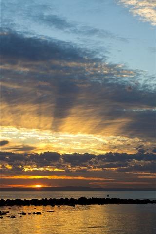 iPhone Wallpaper Australia, Queensland, sea, sunset, sky, clouds