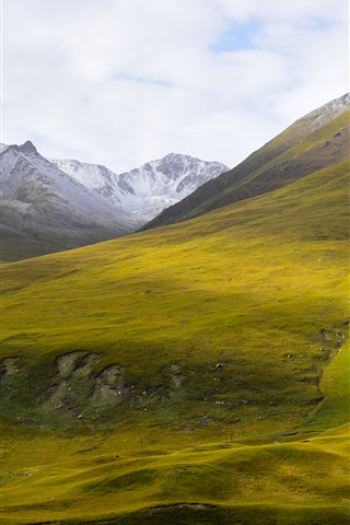 iPhone Wallpaper Beautiful nature landscape, Animaqing Snow Mountain, green slope, shadow, China