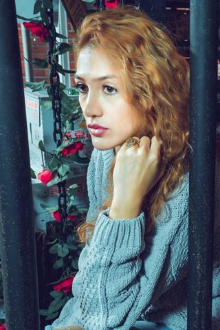 iPhone Wallpaper Blonde girl, curls, sweater