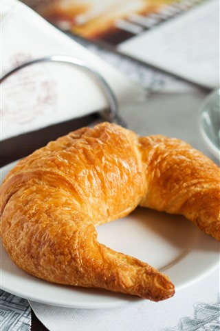iPhone Wallpaper Breakfast, coffee, croissant