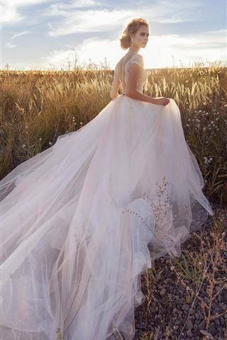 iPhone Papéis de Parede Noiva, menina branca da saia, grama, luz do sol
